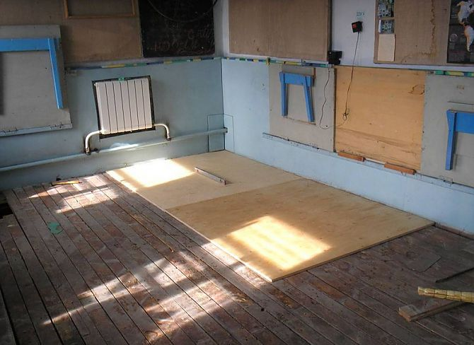 Настилка ламината на деревянный пол 190